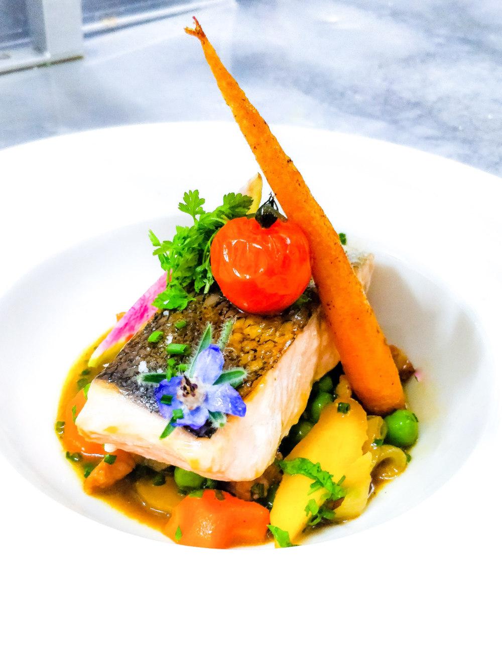 le brun restaurant saumon petits légumes
